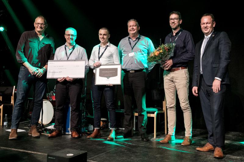 Nærvarmeværkets repræsentanter modtager Fjernvarmeprisen 2019