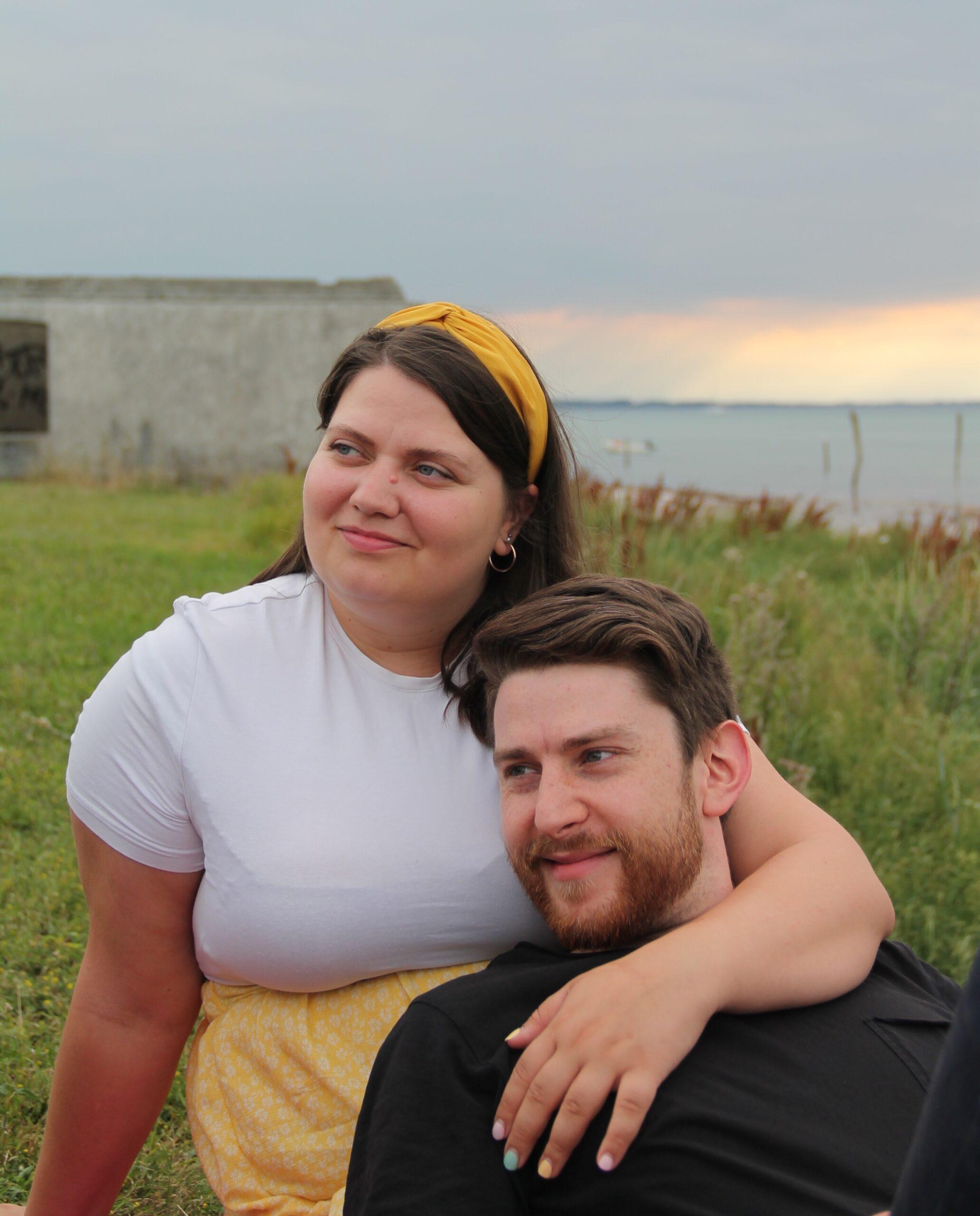 Daniel og Rebecca ved stranden